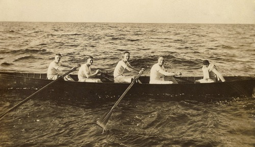 Close-up_rowing_on_forth
